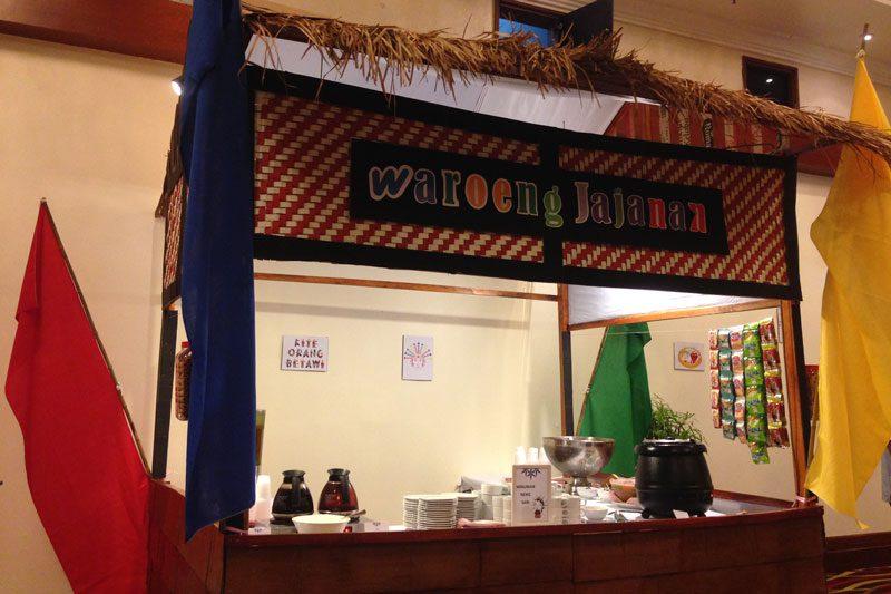 Waroeng Jajanan Kampung Betawi Betawi Allium Hotel