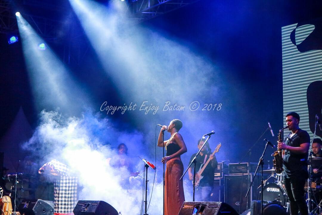 Bajafash 2018 Day 1 - Janine Annice on Stage