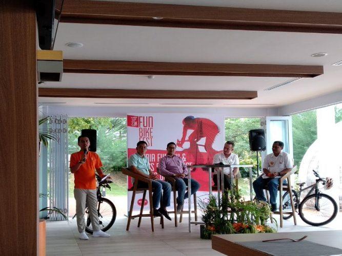 Para pembicara yang merupakan GM dari semua hotel HARRIS di Batam