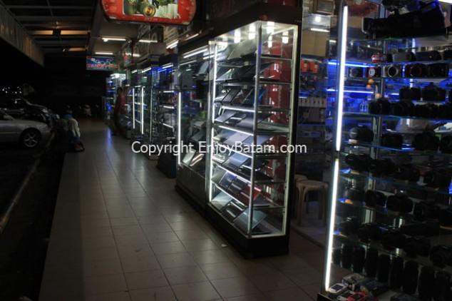 Belanja Kamera di Lucky Plaza Batam