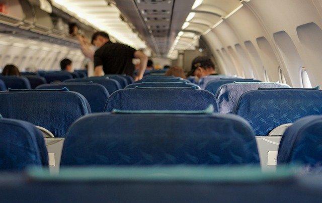 Etika Penumpang Pesawat Terbang